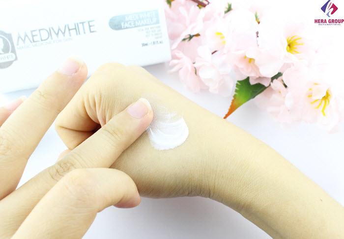 Review kem trang điểm Medi White